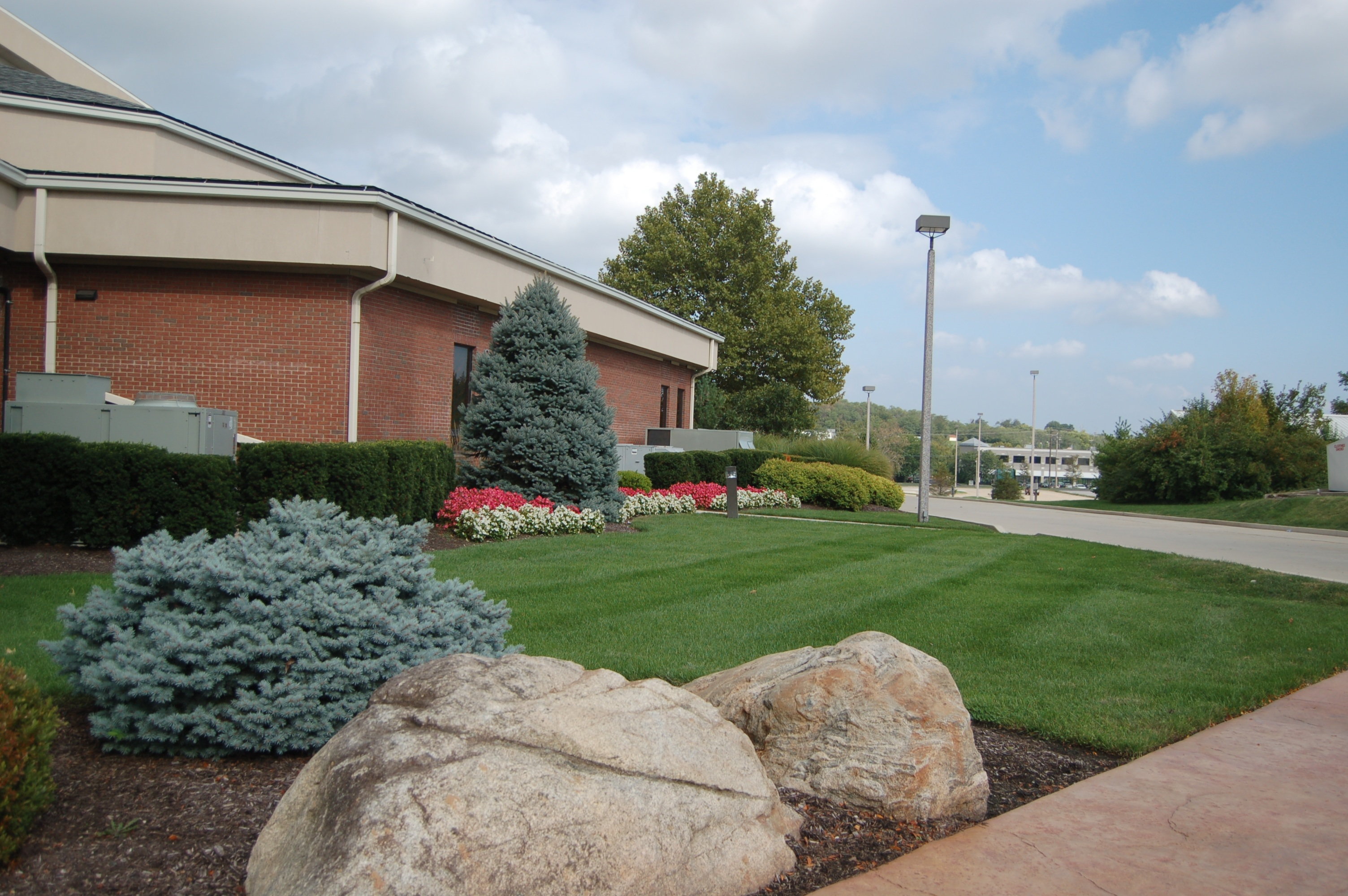 Lawn care tinkerturf for Commercial landscaping