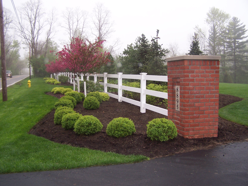 Home Entrance Fence & Maintenance