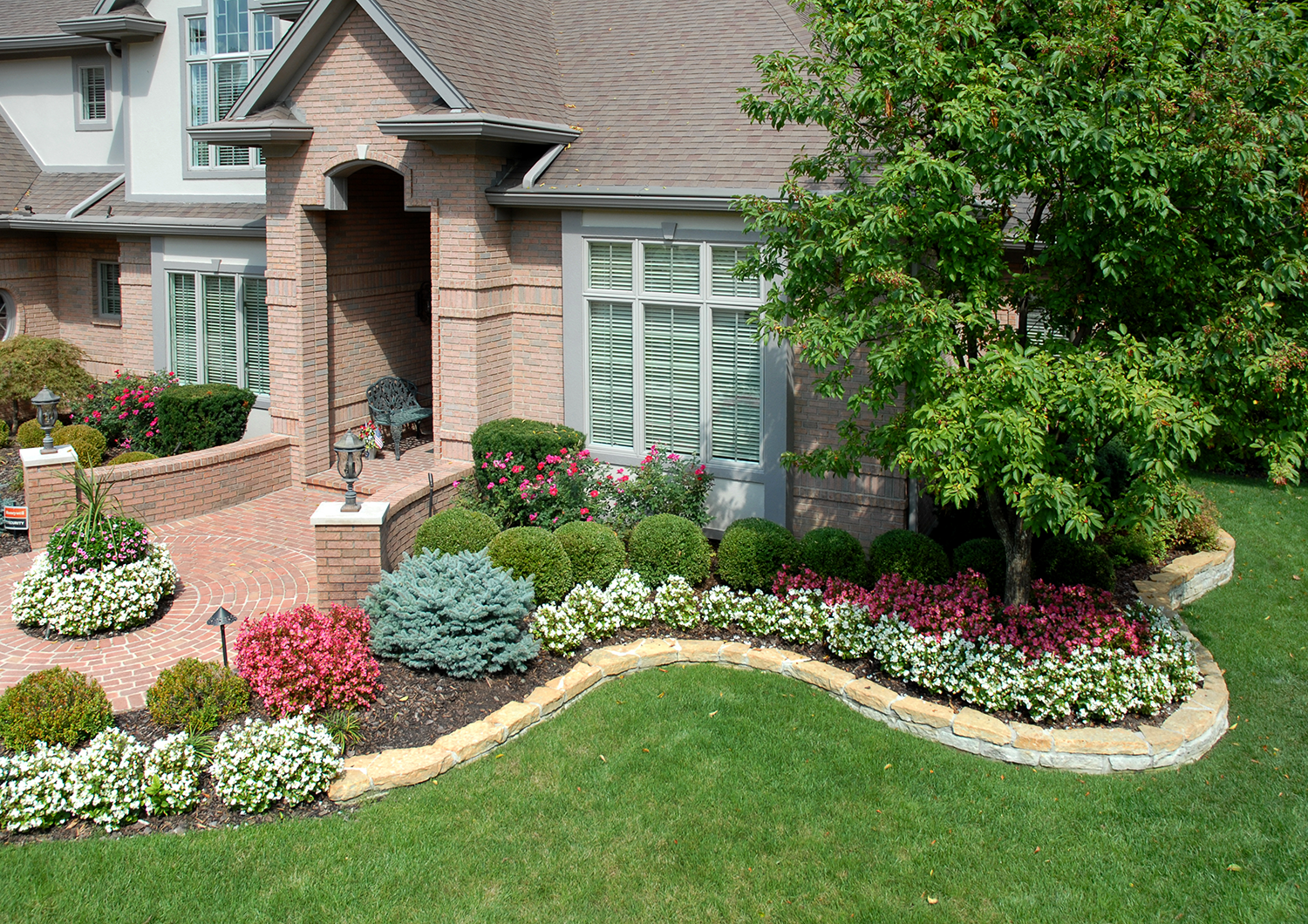 Plantings flower beds tinkerturf for Curb appeal garden designs
