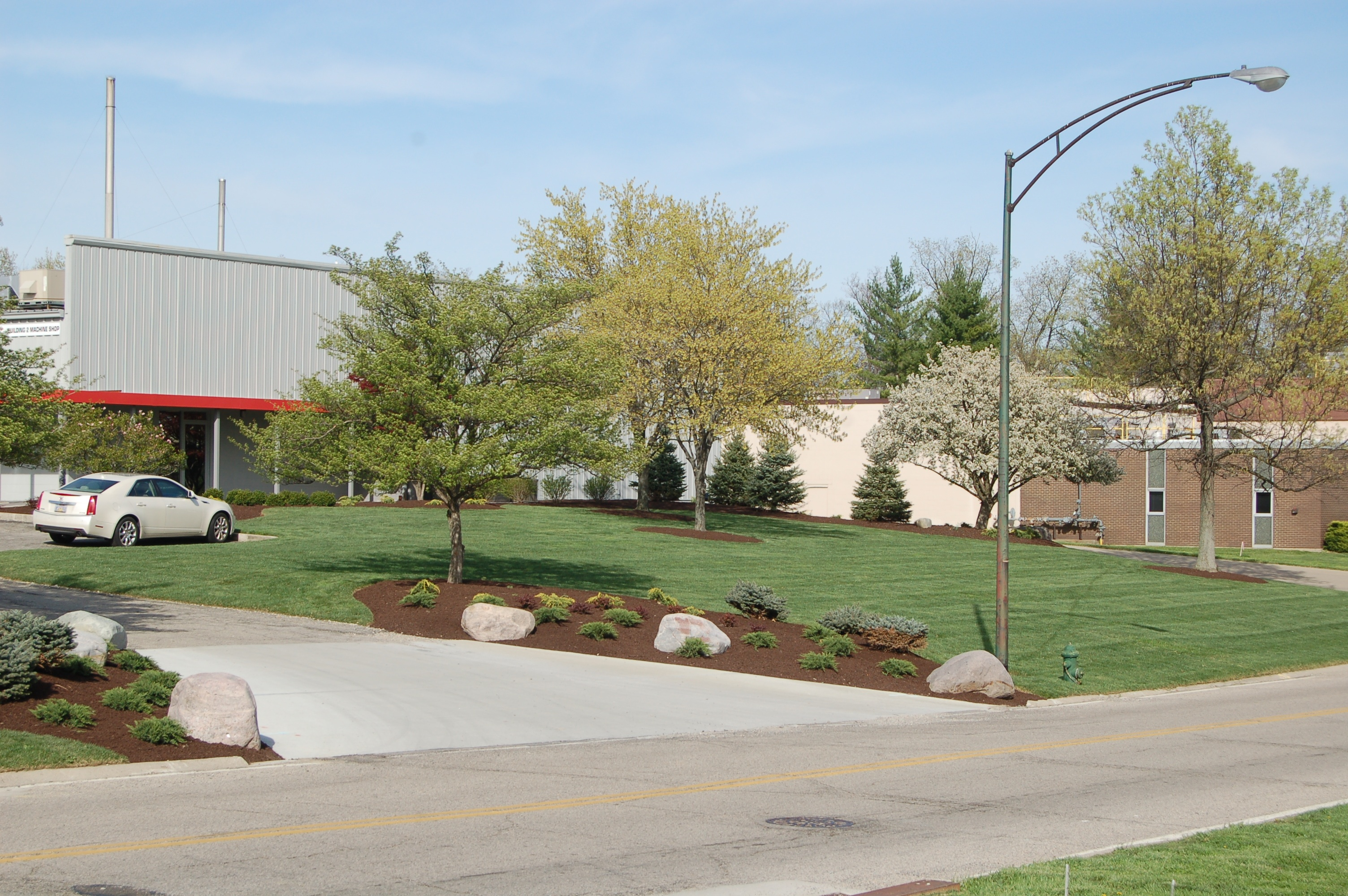 Annual plantings tinkerturf for Commercial landscape maintenance